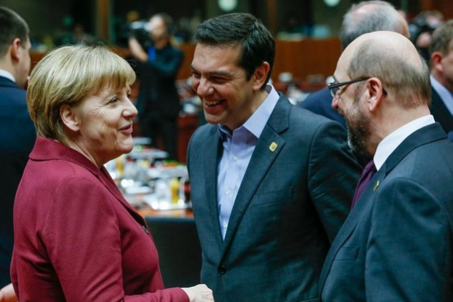 Germany's Chancellor Angela Merkel (L), Greece's Prime Minister Alexis Tsipras (C) and European Parliament President Martin Schulz attend a EU Summit at the European Council headquarters in Brussels, Belgium December 15, 2016.   REUTERS/Yves Herman