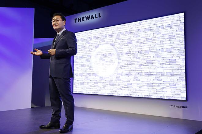 The Wall: Η πρώτη παγκοσμίως αρθρωτή τηλεόραση MicroLED 146 ιντσών