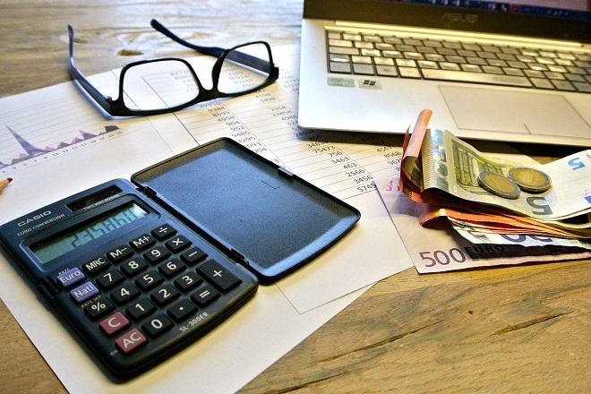 Νωρίτερα φέτος η υποβολή των φορολογικών δηλώσεων – Τι αλλάζει