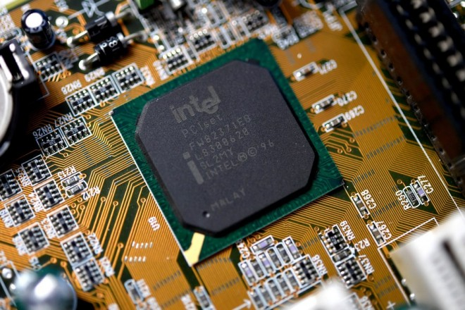 epa06416768 A close-up photo showing an Intel computer circuit board displayed in Duesseldorf, Germany, 04 January 2018. Reports on 04 January 2018 state technology companies are rushing to fix two considerable flaws in popular computer chips manufactured by Intel, AMD and ARM. Security researchers at Google, working together with specialists in several countries, have discovered two major security threats in processors manufactured by AMD, Intel and ARM. The flaws could help attackers to gain access to sensitive information such as banking information and passwords. It is not known if the boards and chips pictured contain the security vulnerability.  EPA/SASCHA STEINBACH
