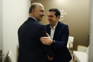 (Ξένη Δημοσίευση) Ο πρωθυπουργός, Αλέξης Τσίπρας ( Δ) συναντάται με τον Επίτροπο Οικονομικών και  Νομισματικών Υποθέσεων, Pierre Moscovici (Α) στο περιθώριο του Φόρουμ, στο Davos, Ελβετία,  την Πέμπτη 25  Ιανουαρίου 2018.  Ο πρωθυπουργός, Αλέξης Τσίπρας, βρίσκεται στο Νταβός της Ελβετίας, για να συμμετάσχει στις εργασίες του Παγκοσμίου Οικονομικού Φόρουμ. ΑΠΕ-ΜΠΕ/ΓΡΑΦΕΙΟ ΤΥΠΟΥ ΠΡΩΘΥΠΟΥΡΓΟΥ/ΓΙΑΝΝΗΣ ΚΟΛΕΣΙΔΗΣ