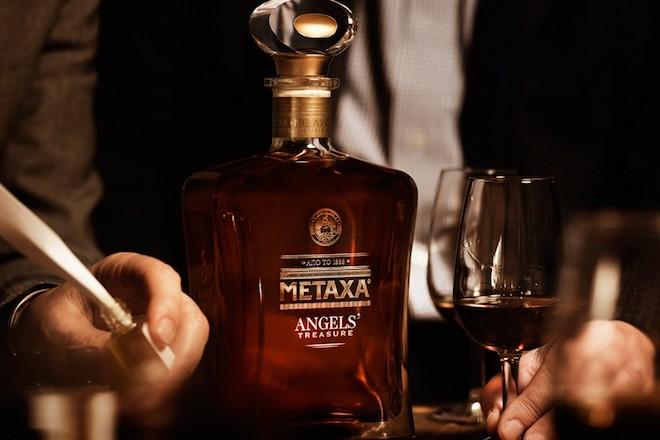 Το Metaxa και στην αγορά της Κίνας – Ποια η ιστορία πίσω από το εμβληματικό ποτό