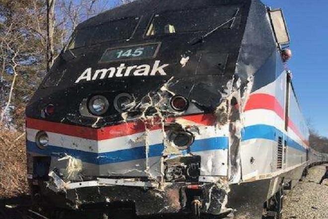 Τρένο που μετέφερε Ρεπουμπλικάνους βουλευτές συγκρούστηκε με απορριματοφόρο στις ΗΠΑ