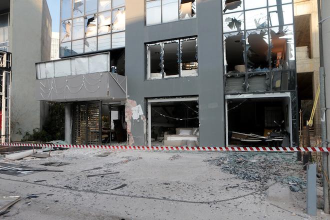 Ζημιές έχει υποστεί κατάστημα επίπλων επί την λεωφόρου Κηφισίας 107 , στο Μαρούσι καθώς και  σε παρακείμενα μετά από έκρηξη αυτοσχέδιου μηχανισμού στις 4 τα ξημερώματα , Πέμπτη 1 Φεβρουαρίου  2018. ΑΠΕ-ΜΠΕ/ΑΠΕ-ΜΠΕ/Παντελής Σαίτας