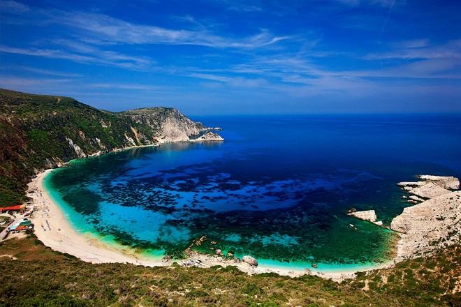 Το Business Insider αποθεώνει τρεις ελληνικές παραλίες και σας προτείνει να τις επισκεφθείτε!