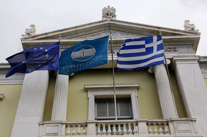 Ένα βήμα πριν τη νέα έξοδο στις αγορές η Ελλάδα