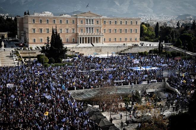 Πολιτική διαμάχη για τη συμμετοχή στο συλλαλητήριο: Από τις 140.000 στο 1,5 εκατομμύριο