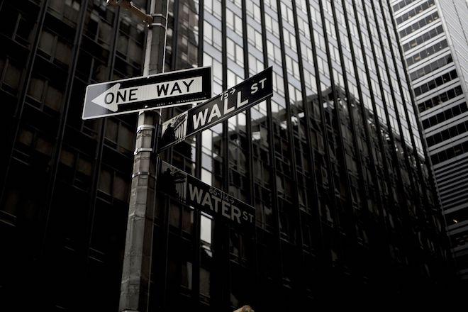 Μεγάλη «βουτιά» για τον Dow Jones…λόγω Τραμπ