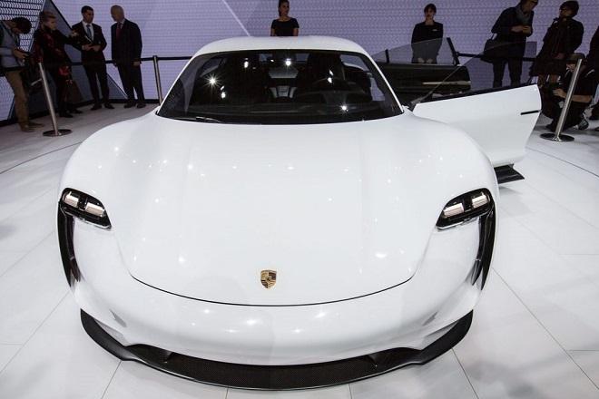 Μπόνους-ρεκόρ για τους εργαζόμενους της Porsche