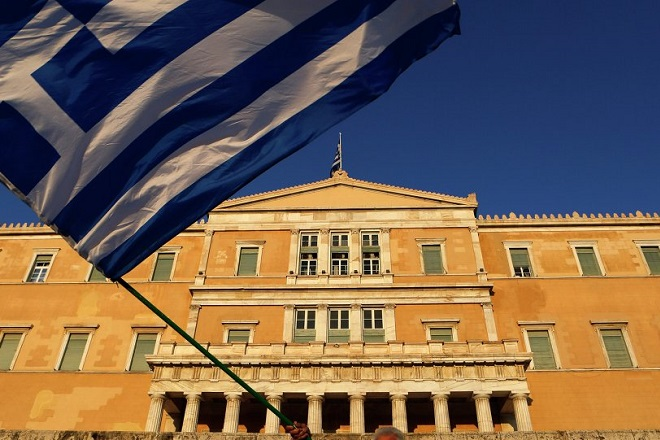 Bloomberg: Η Ελλάδα έπαιξε νωρίς το χαρτί της «καθαρής εξόδου»
