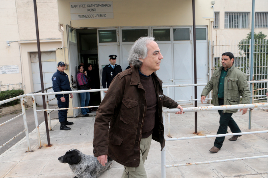 «Όχι» στο νέο αίτημα άδειας από τον Δημήτρη Κουφοντίνα. Παρέμβαση εισαγγελέα και απεργία πείνας από τον ισοβίτη