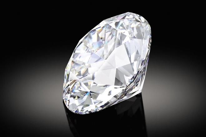 Στο «σφυρί» το πιο σπάνιο λευκό διαμάντι του κόσμου