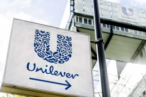 epa05892622 Exterior of Unilever building at the Weena in Rotterdam, the Netherlands, 06 April 2017. Unilever quits the production of margarine, with brands such as Becel, Blue Band, Bona and Zeeuws Meisje. Unilever margarine division is being put up for sale after the takeover bid from US rival Kraft Heinz.  EPA/Marco de Swart