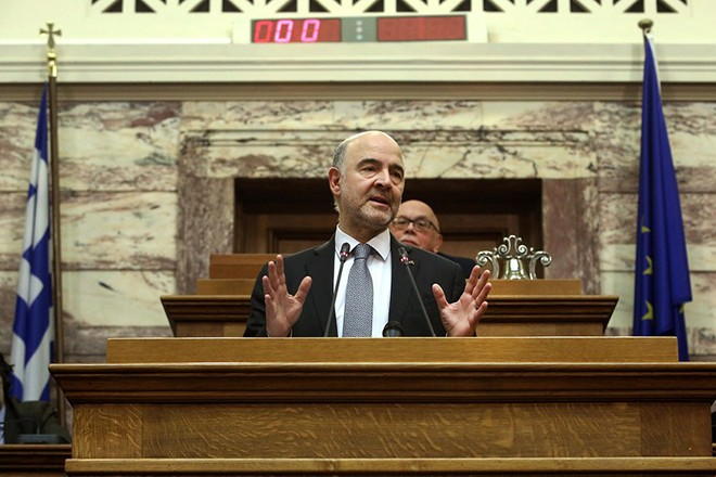 epa06508279 European Commissioner for Economic and Monetary Affairs, Pierre Moscovici speaks in the Greek parliament before the members of Greek parliamentary committees in Athens, Greece, 09 February 2018.  EPA/SIMELA PANTZARTZI