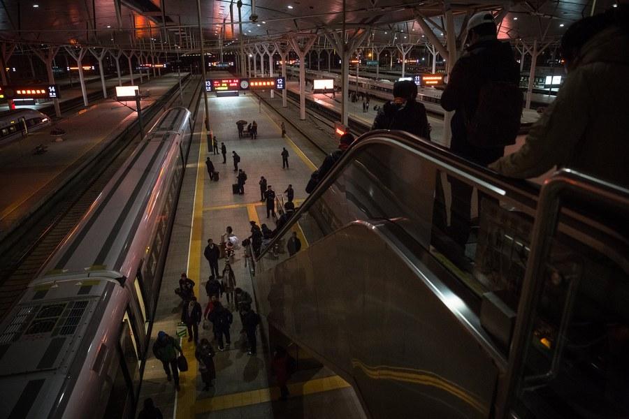 Τα «τρένα-σφαίρες» που θα ταξιδέψουν τους Κινέζους στη δική τους Πρωτοχρονιά