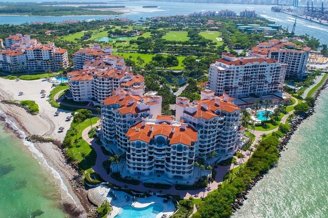 Ξεναγηθείτε στο μυστηριώδες «ιδιωτικό» νησί των εκατομμυριούχων