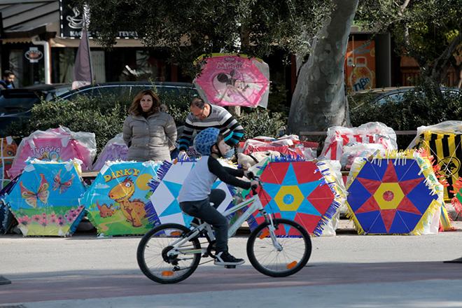 Κόσμος επισκέπτεται και διασκεδάζει στο Πάρκο του Κοινωφελούς Ιδρύματος Πολιτισμού Σταύρος Νιάρχος τελευταία Κυριακή της Απόκριας , 18 Φεβρουαρίου 2018. ΑΠΕ-ΜΠΕ/ΑΠΕ-ΜΠΕ/Παντελής Σαίτας