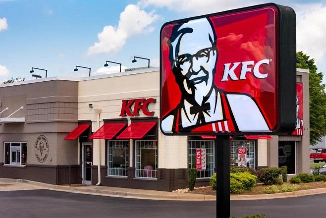 Γιατί τα KFC της Βρετανίας ξέμειναν από… κοτόπουλα!