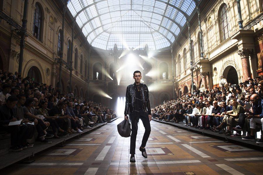 Σε κινεζικά χέρια ο πιο ιστορικός οίκος μόδας της Γαλλίας