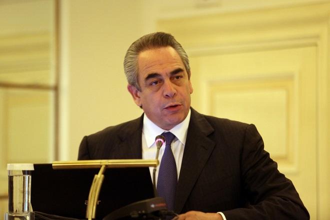 Να βελτιώσουν τη χρηματοδότηση των μικρομεσαίων επιχειρήσεων κάλεσε τις τράπεζες ο πρόεδρος του ΕΒΕΑ Κ. Μίχαλος