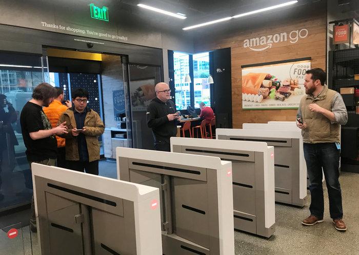Έξι νέα σούπερ μάρκετ χωρίς ταμεία ανοίγει η Amazon (βίντεο)