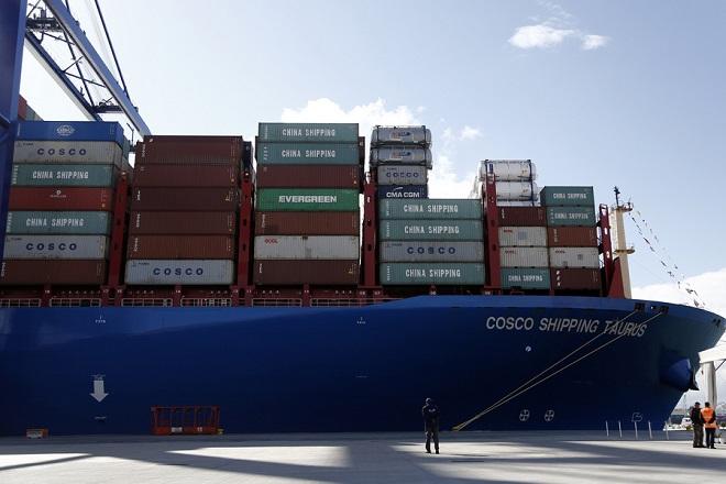 Στις εγκαταστάσεις της COSCO PCT έφτασε το μεγαλύτερο πλοίο μεταφοράς εμπορευματοκιβωτίων που κατασκευάστηκε ποτέ στην Κίνα, Δευτέρα 26 Φεβρουαρίου 2018. ΑΠΕ-ΜΠΕ/ΓΙΑΝΝΗΣ ΚΟΛΕΣΙΔΗΣ
