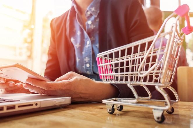 Πόσο συχνά «επισκέπτονται» οι Έλληνες τα online σούπερ μάρκετ;