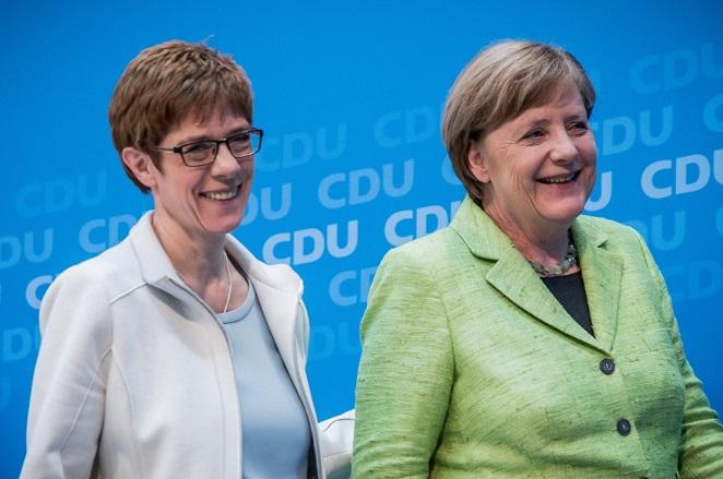 Κραμπ-Καρενμπάουερ: Η «μίνι Μέρκελ», νέα Γενική Γραμματέας του CDU