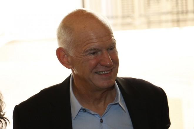 Ο επικεφαλής του Κινήματος Δημοκρατών Σοσιαλιστών (ΚΙΔΗΣΟ), Γιώργος Παπανδρέου (3Α), προσήλθε στο δεύτερο γύρο εκλογών για ανάδειξη επικεφαλής της Κεντροαριστεράς, σε εκλογικό τμήμα στο Ηράκλειο Κρήτης, Κυριακή 19 Νοεμβρίου 2017. ΑΠΕ-ΜΠΕ/ ΑΠΕ-ΜΠΕ/ ΝΙΚΟΣ ΧΑΛΚΙΑΔΑΚΗΣ