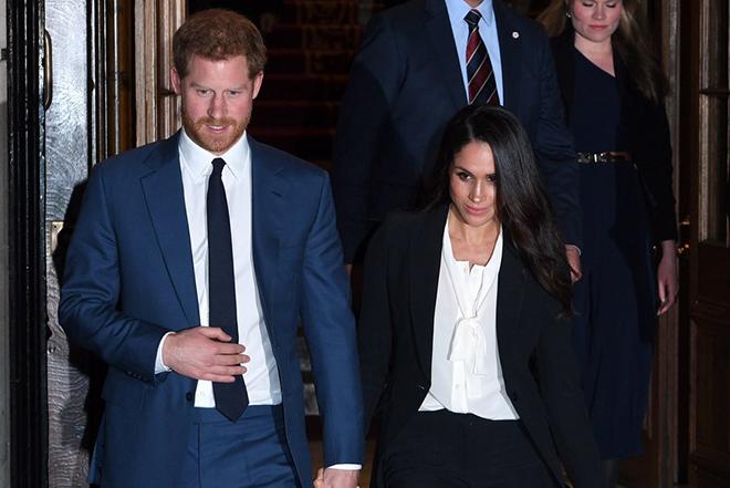 Με μηνύσεις κατά βρετανικών τάμπλοϊντ απαντά ο πρίγκιπας Χάρι στην παρενόχληση της Μέγκαν Μαρκλ
