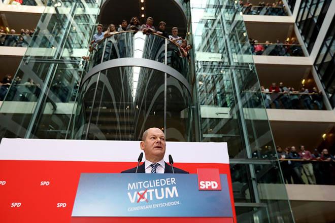 «Λευκός καπνός» στη Γερμανία: Ναι σε κυβέρνηση συνασπισμού από τους Σοσιαλδημοκράτες