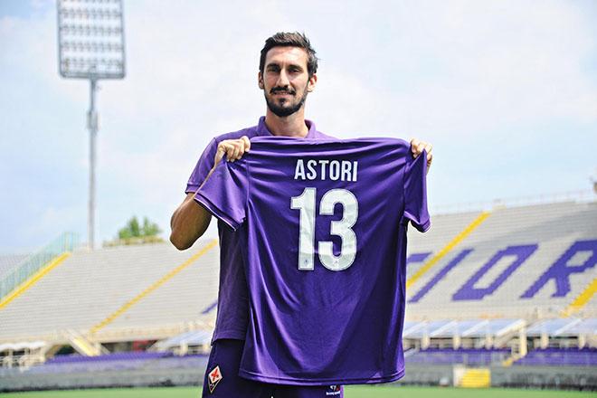 Fiorentina's new defender Davide Astori presented to the press. Firenze (Italy), August 11th 2015. ANSA/MAURIZIO DEGL INNOCENTI
