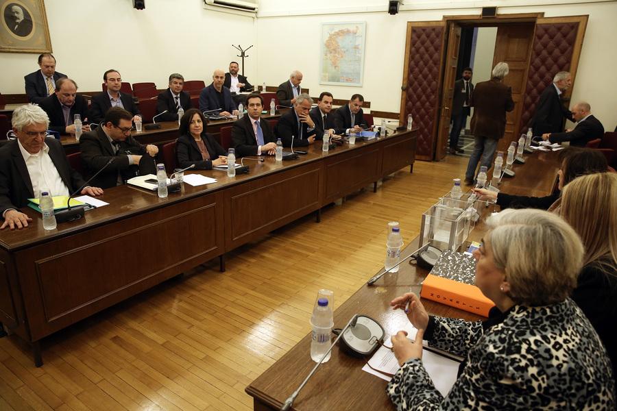 Υπόθεση Novartis: «Κλειστές» οι συνεδριάσεις της προκαταρκτικής στη βουλή
