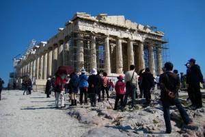 greece-tourists
