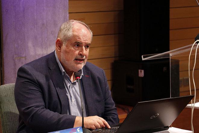 Ο αναπληρωτής υπουργός Παιδείας, Έρευνας και Θρησκευμάτων Κώστας Φωτάκης μιλάει στο 3ο περιφερειακό συνέδριο για την παραγωγική ανασυγκρότηση «Επενδύοντας στην Κρήτη»,  Τετάρτη 20 Σεπτεμβρίου 2017,  στο Πολιτιστικό Κέντρο Ηρακλείου. ΑΠΕ-ΜΠΕ/ ΑΠΕ-ΜΠΕ/ ΝΙΚΟΣ ΧΑΛΚΙΑΔΑΚΗΣ