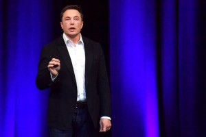 epa06233680 CEO of Tesla, Elon Musk delivers a presentation at the International Astronautical Congress (IAC) in Adelaide, South Australia, Australia, 29 September 2017.  EPA/MORGAN SETTE  AUSTRALIA AND NEW ZEALAND OUT