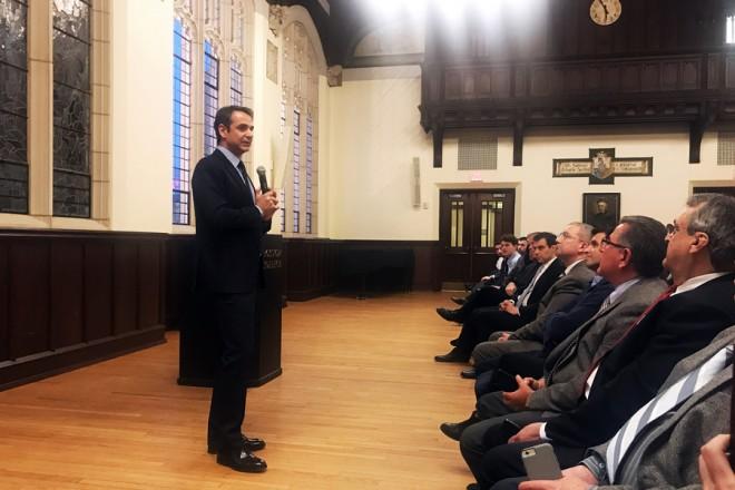 Ο πρόεδρος της Νέας Δημοκρατίας Κυριάκος Μητσοτάκης, μιλάει κατά τη διάρκεια της εισήγησής του στην ελληνική κοινότητα του Κολεγίου της Βοστώνης, ενώ απαντάει και σε  ερωτήσεις Ελλήνων φοιτητών, Τρίτη 13 Μαρτίου 2018 ΑΠΕ-ΜΠΕ/ΓΡΑΦΕΙΟ ΤΥΠΟΥ ΝΔ/ΔΗΜΗΤΡΗΣ ΠΑΠΑΜΗΤΣΟΣ