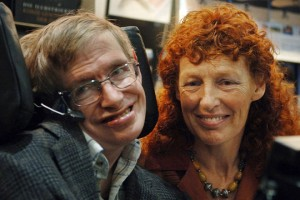 epa06602122 (FILE) - Famous physicist Stephen Hawking (L) and his then wife Elaine (R) smile on the opening day of the Frankfurt Book Fair 2005 in Frankfurt Main, Germany, 19 October 2005 (reissued 14 March 2018). British renowned physicist Stephen Hawking has died on 13 March 2018 at the age of 76, his family announced.  EPA/BORIS ROESSLER GERMANY OUT