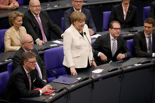 Επίσημα καγκελάριος για τέταρτη φορά στη ζωή της η Άνγκελα Μέρκελ