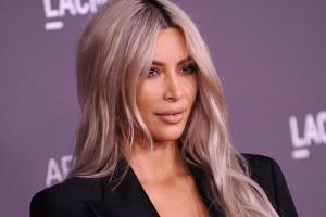 LOS ANGELES, CA - NOVEMBER 04:  Kim Kardashian attends the 2017 LACMA Art + Film gala at LACMA on November 4, 2017 in Los Angeles, California.  (Photo by Jason LaVeris/FilmMagic)