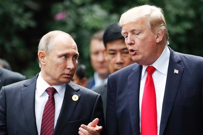 Σε διάλογο στο… πόδι εξελίσσεται το πολυαναμενόμενο τετ α τετ Πούτιν – Τραμπ