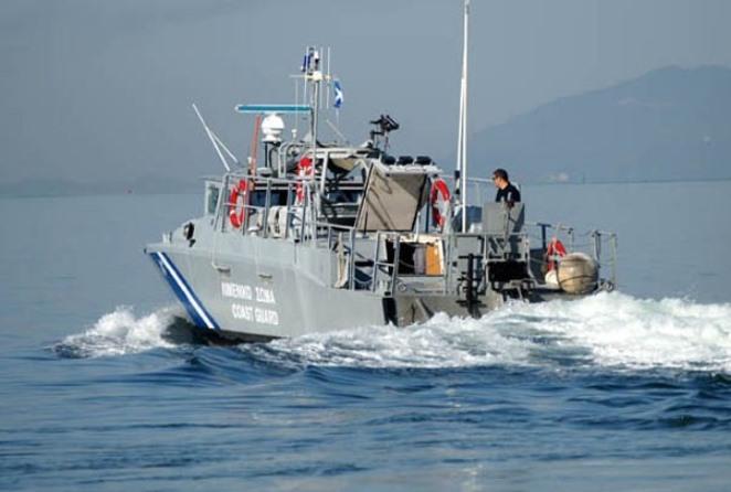 Τραγωδία: Τουλάχιστον 16 νεκροί μετανάστες από τη βύθιση σκάφους ΝΑ του Αγαθονησίου (upd)