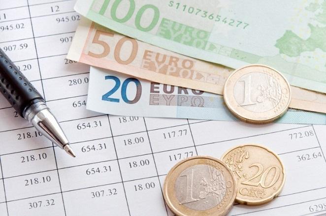 «Έκλεισε» από το 28% στο 24% η μείωση φόρων για τις επιχειρήσεις