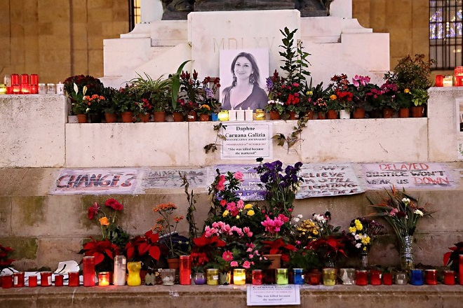 Στις ελληνικές αρχές παραδόθηκε η πληροφοριοδότης της δολοφονημένης Μαλτέζας δημοσιογράφου