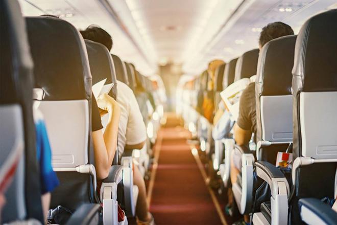 Μπορεί ένας μόνο άρρωστος επιβάτης να κολλήσει ολόκληρο το αεροπλάνο;