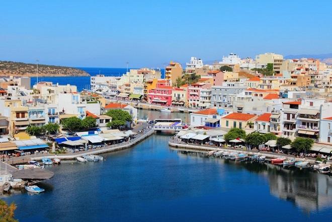 Ναυαρχίδα του τουρισμού η Κρήτη με τους περισσότερους επισκέπτες- Ανοδικά Μύκονος, Σαντορίνη