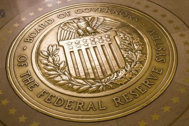 H Fed διατήρησε αμετάβλητα τα επιτόκια