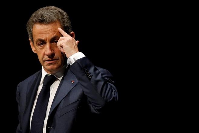 FILE PHOTO: Nicolas Sarkozy, former head of the Les Republicains political party, attends a Les Republicains (LR) public meeting in Les Sables d'Olonne, France, October 1, 2016. REUTERS/Stephane Mahe/File Photo
