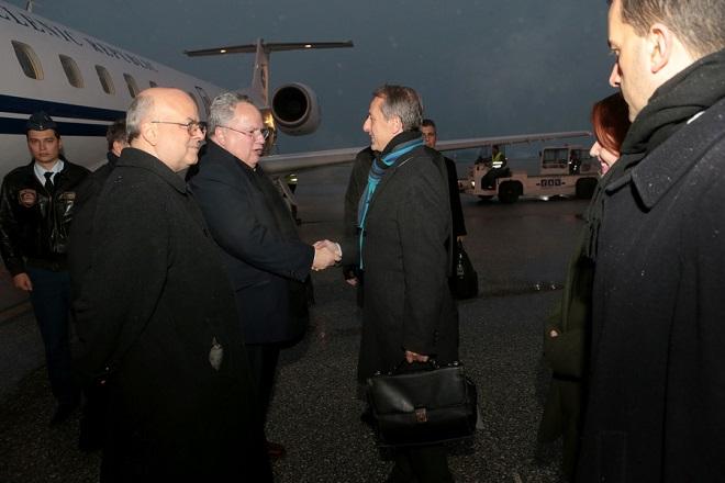 O υπουργός Εξωτερικών Νικόλαος Κοτζιάς (ΚΑ) φθάνει στο αεροδρόμιο των Σκοπίων, Πέμπτη 22 Μαρτίου 2018. Διήμερη επίσκεψη στην πρώην Γιουγκοσλαβική Δημοκρατία της Μακεδονίας (ΠΓΔΜ) πραγματοποιεί ο υπουργός Εξωτερικών Νικόλαος Κοτζιάς. ΑΠΕ-ΜΠΕ//ΑΠΕ-ΜΠΕ/pool/Παντελής Σαίτας/pool