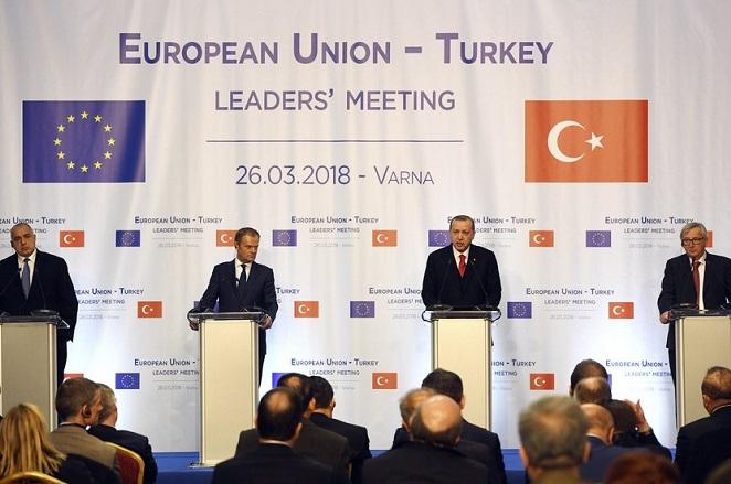 Χωρίς λύσεις ή συμβιβασμούς η συνάντηση Γιούνκερ-Τουσκ-Ερντογάν